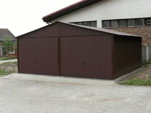 Garaż blaszany